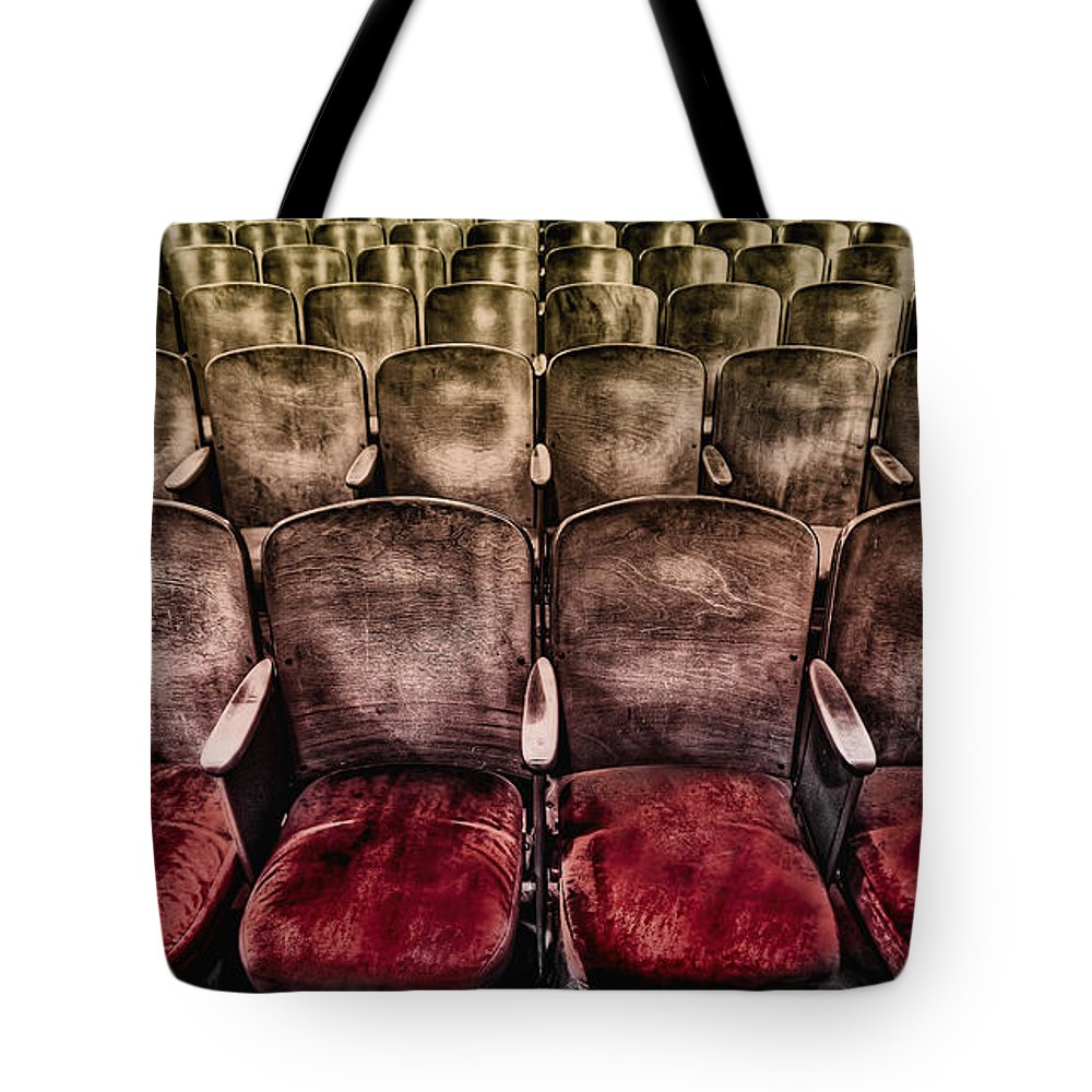 Seat Tote Bag featuring the photograph Face Your Audience by Evelina Kremsdorf