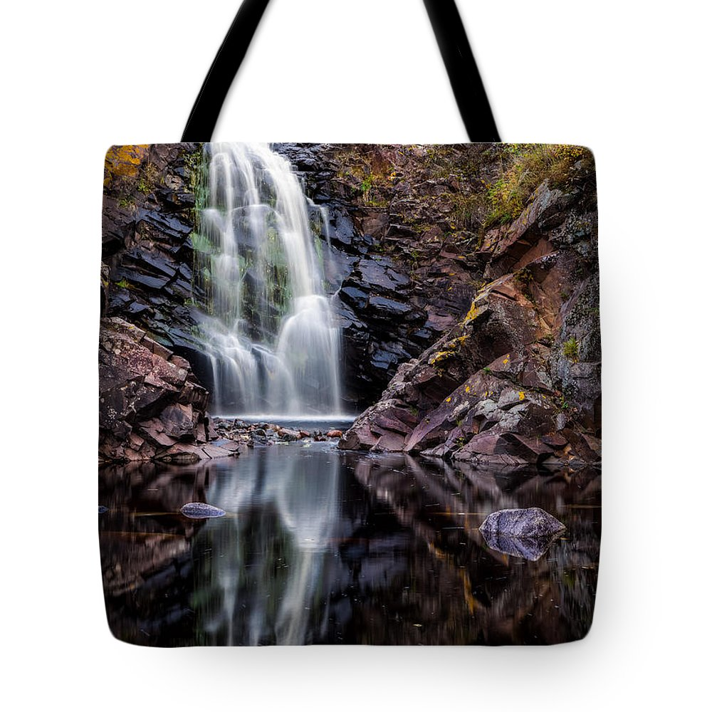 Flowing Tote Bag featuring the photograph Fall At Fall River Falls by Rikk Flohr