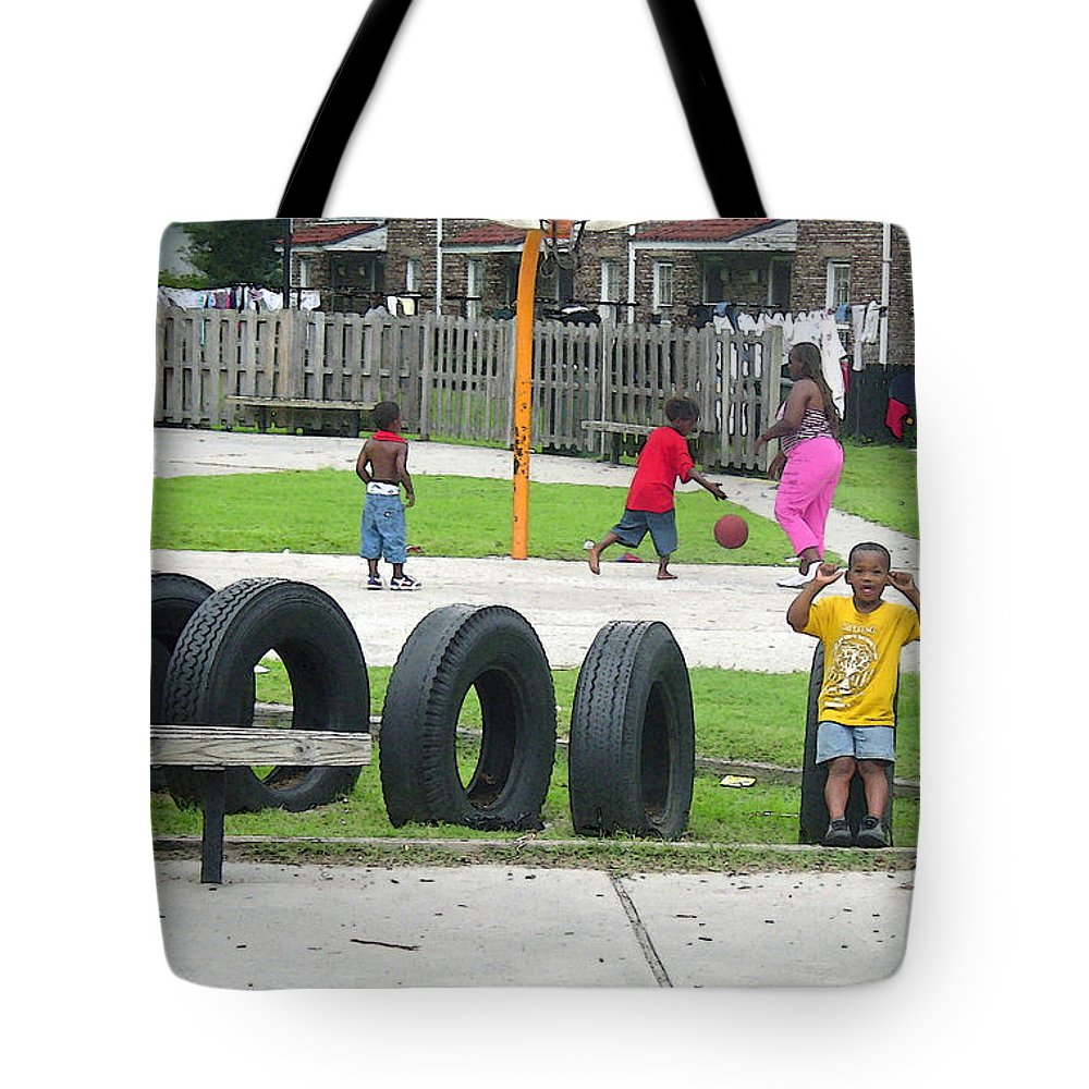 Play Tote Bag featuring the photograph Family At Play II by Suzanne Gaff
