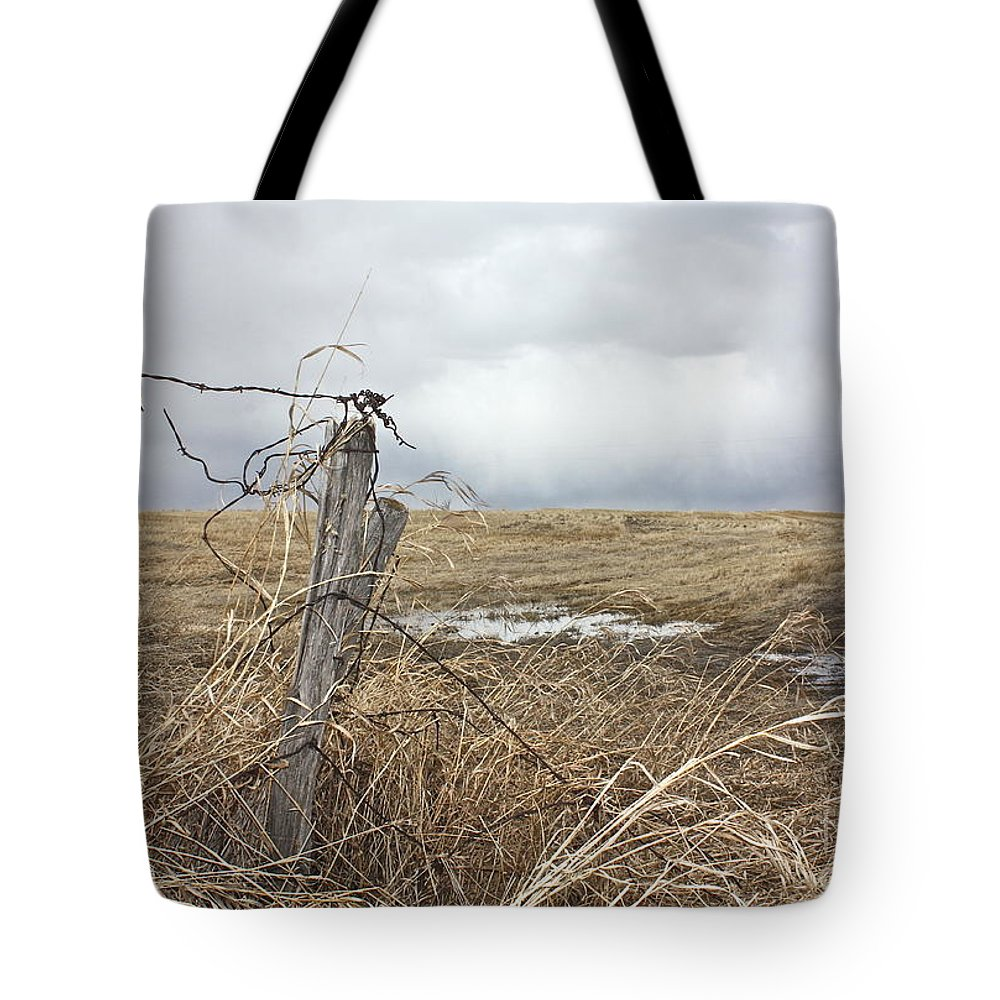 Rural Tote Bag featuring the photograph Fencepost by Linda Bianic