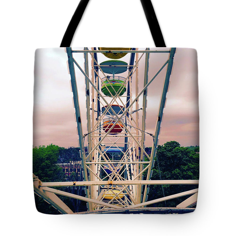 Ferris Wheel Tote Bag featuring the photograph Ferris Wheel by Geoff Jewett