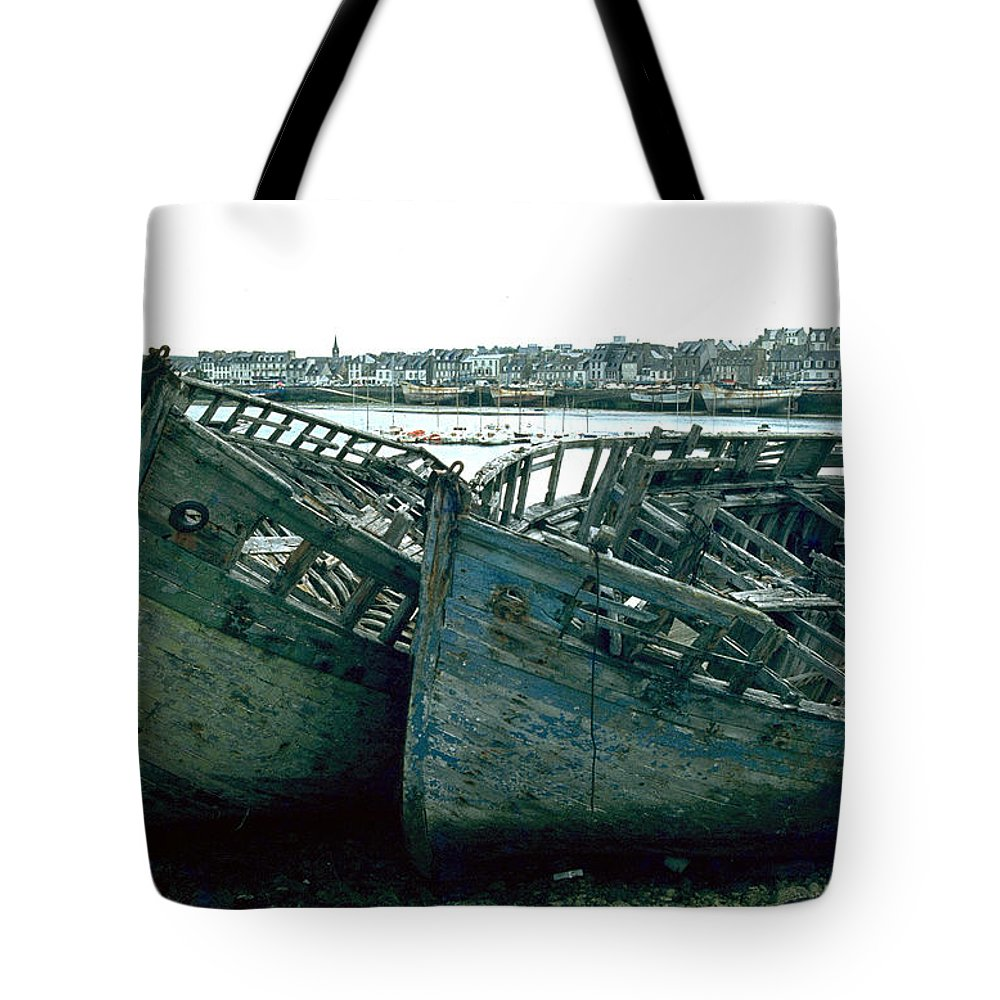 Fisher Boats Tote Bag featuring the photograph Fisher boats by Flavia Westerwelle