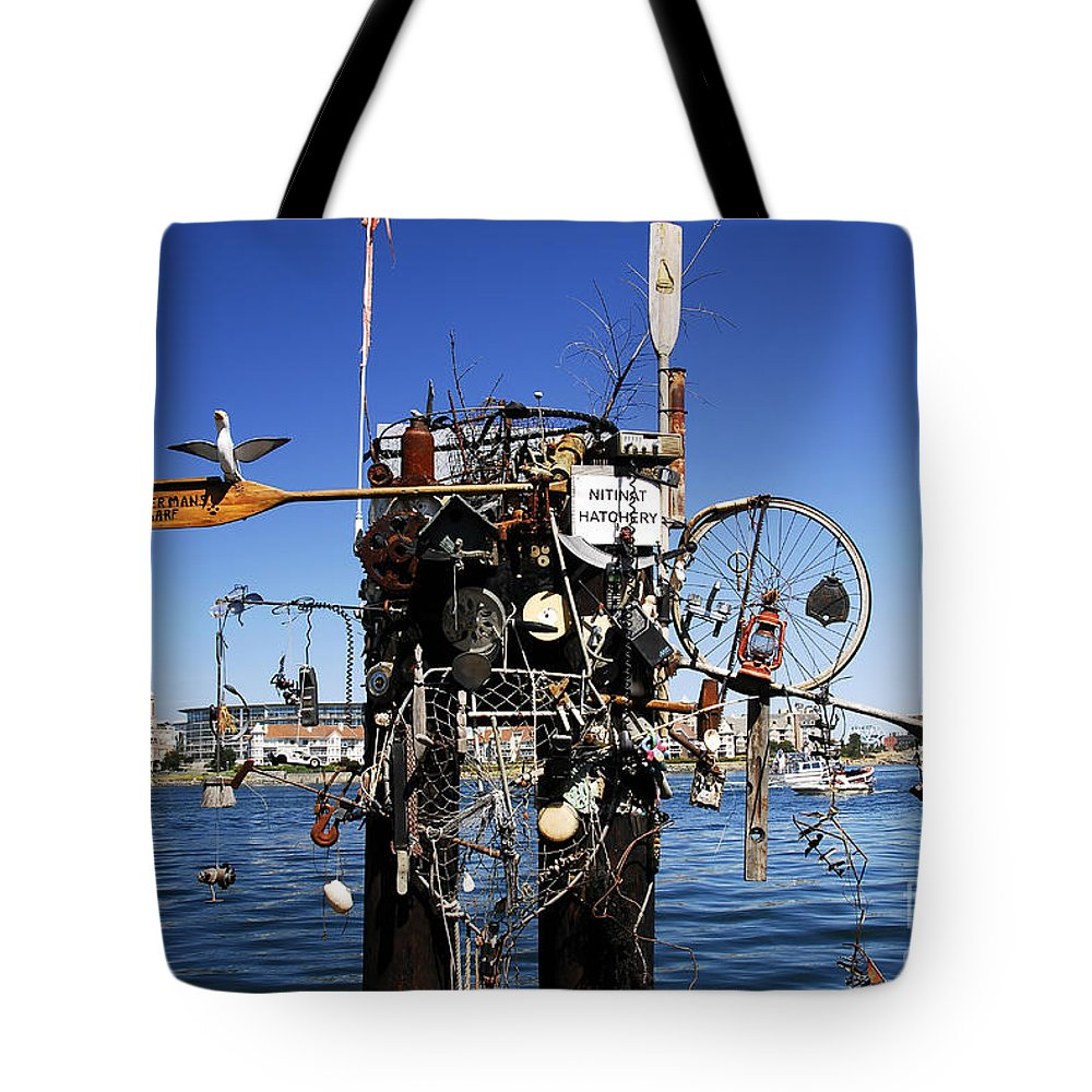 Fisherman Tote Bag featuring the photograph Fisherman's Wharf by David Lee Thompson