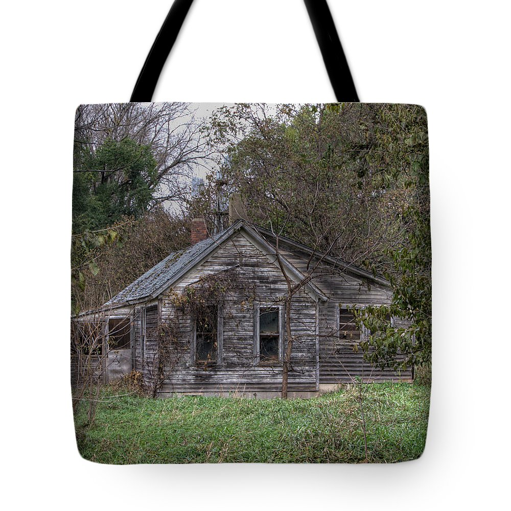 House Tote Bag featuring the photograph Fixer Upper by Gary Prill
