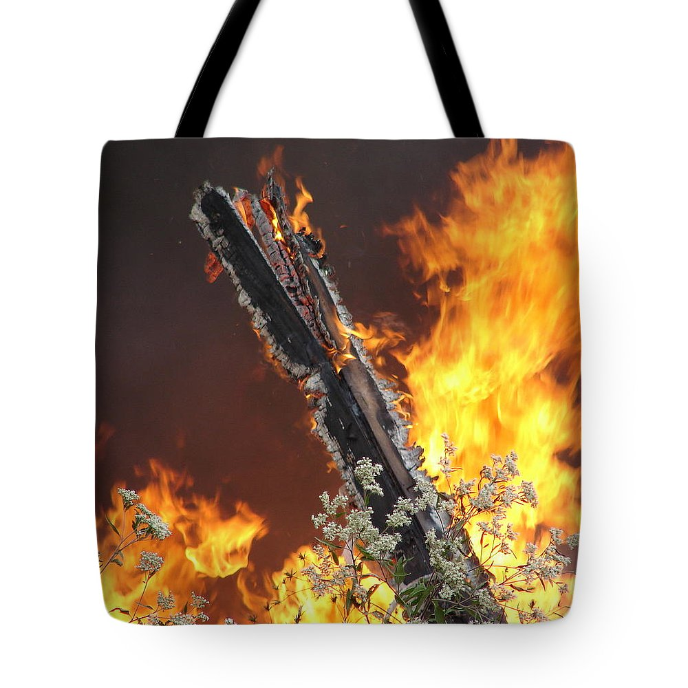 Fire Wood Flames Flowers Tote Bag featuring the photograph Flames Of Age by Luciana Seymour