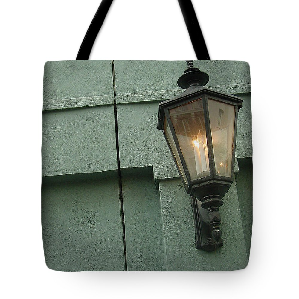 Charleston Tote Bag featuring the photograph Flavor Of Charleston by Suzanne Gaff