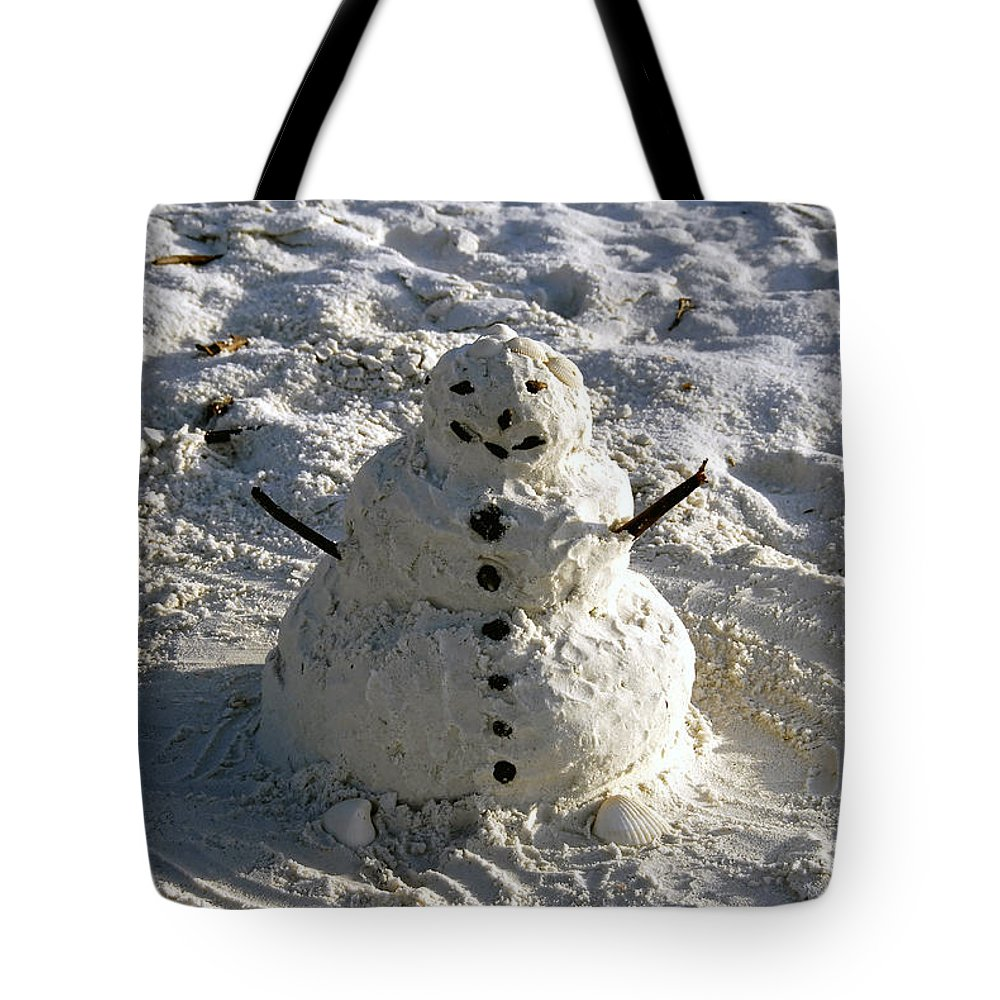 Snowman Tote Bag featuring the photograph Florida Snowman by David Lee Thompson