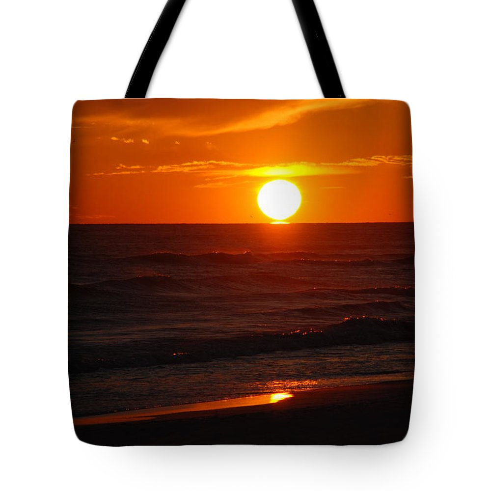 Sunset Tote Bag featuring the photograph Florida Sunset by Susanne Van Hulst