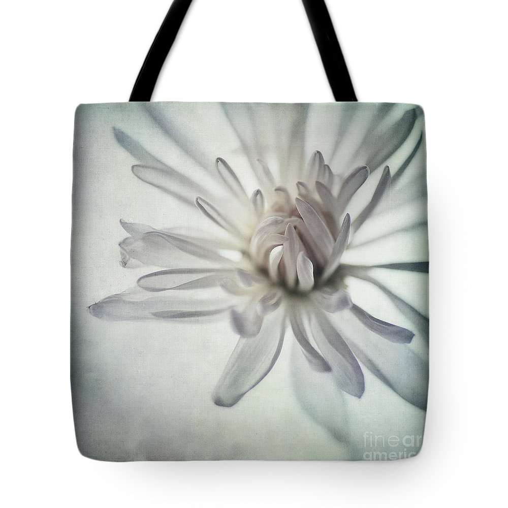 Soft Tote Bag featuring the photograph Focus On The Heart by Priska Wettstein