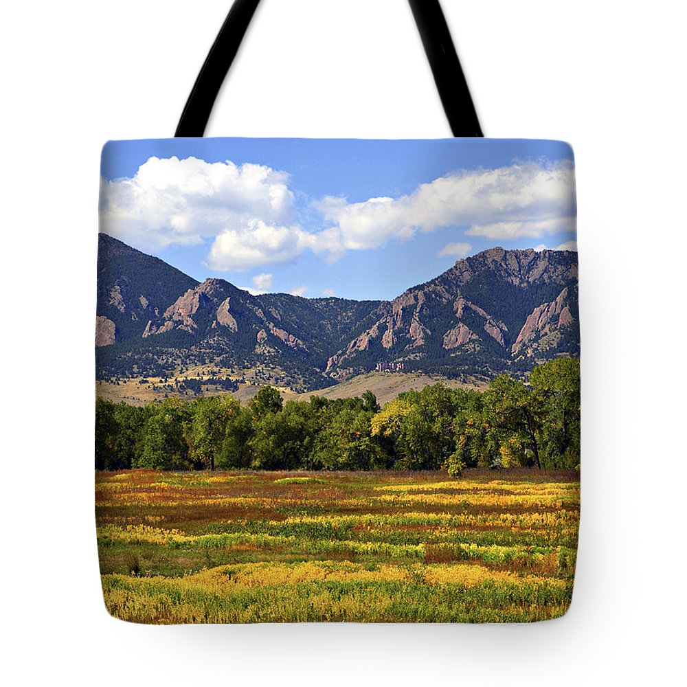 Fall Tote Bag featuring the photograph Foothills Of Colorado by Marilyn Hunt