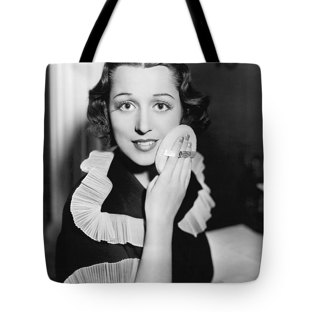 1 Person Tote Bag featuring the photograph Frances Drake Makeup Tip by Underwood Archives