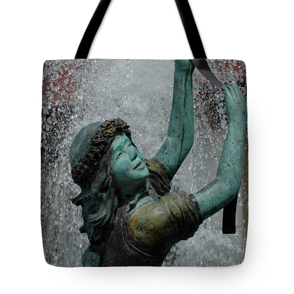 Usa Tote Bag featuring the photograph Frankenmuth Fountain Girl by LeeAnn McLaneGoetz McLaneGoetzStudioLLCcom