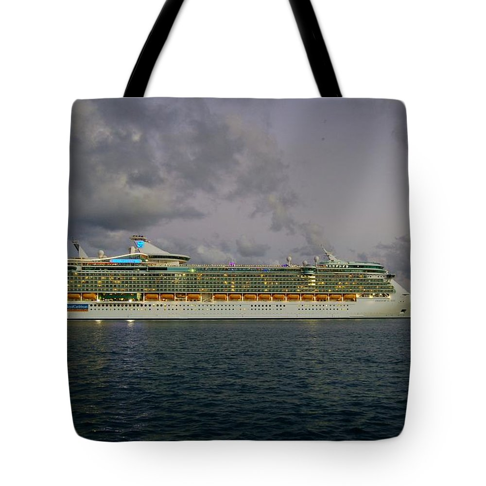 Cruise Ship Tote Bag featuring the photograph Freedom Of The Seas by Christopher James