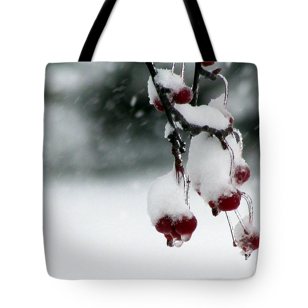 Berry Tote Bag featuring the photograph Freeze Frame by Joni Moseng