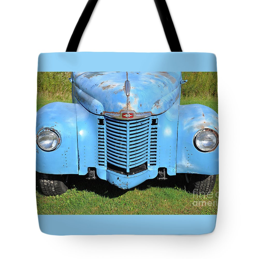 Front End Tote Bag featuring the photograph Front End Of International by Wanda-Lynn Searles