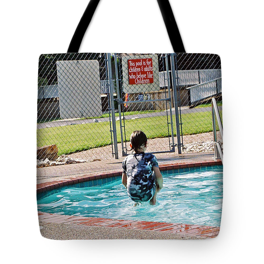 Water Tote Bag featuring the photograph Frozen In Action by Cindy New