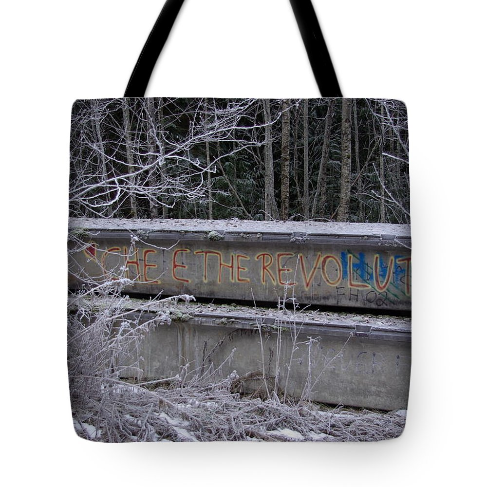 Che Tote Bag featuring the photograph Frozen Revolution by Cindy Johnston