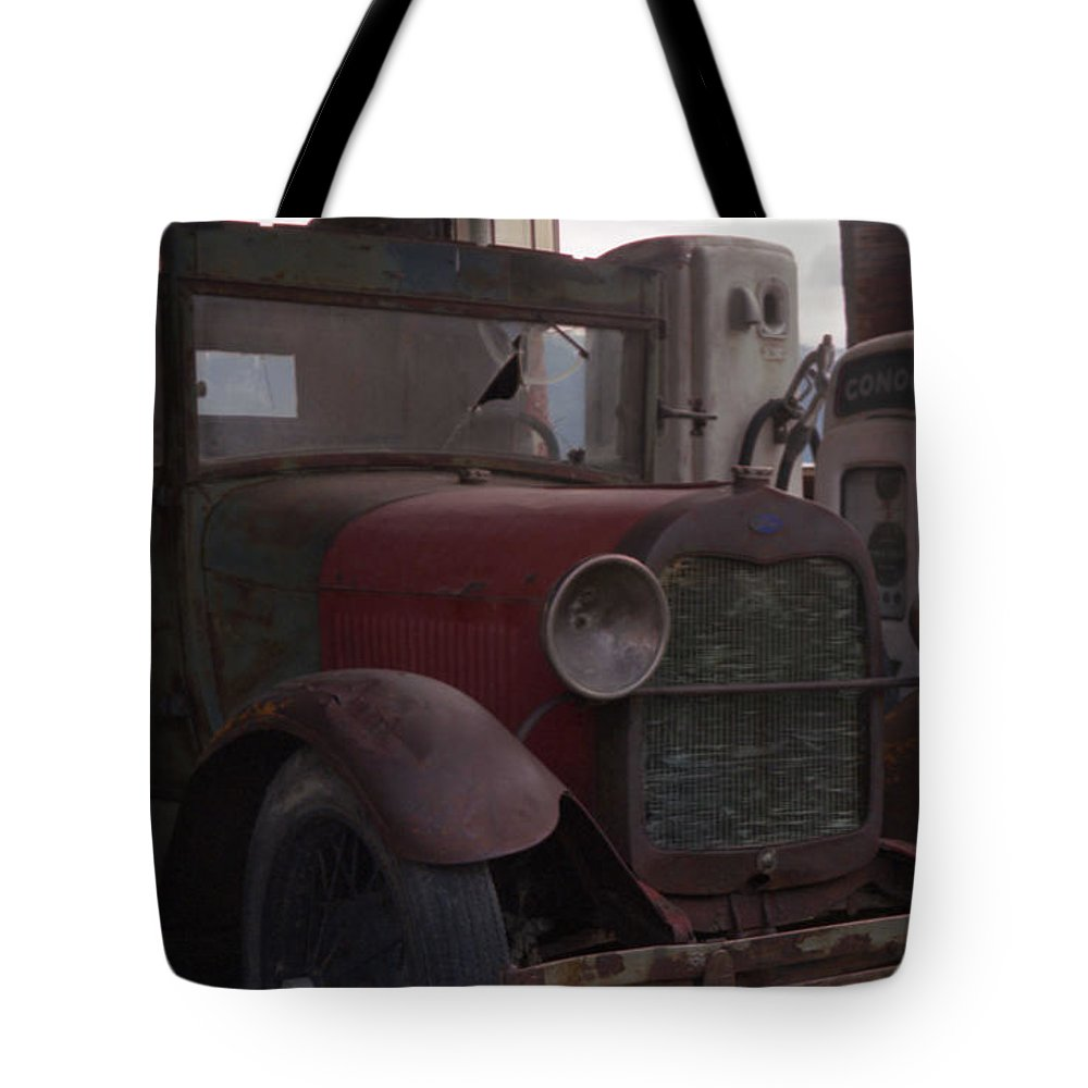 Gas Station Tote Bag featuring the photograph Full Service by Richard Rizzo
