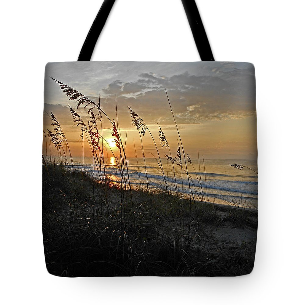 Sunrise Tote Bag featuring the photograph Garden City Morning by Edward Kennair