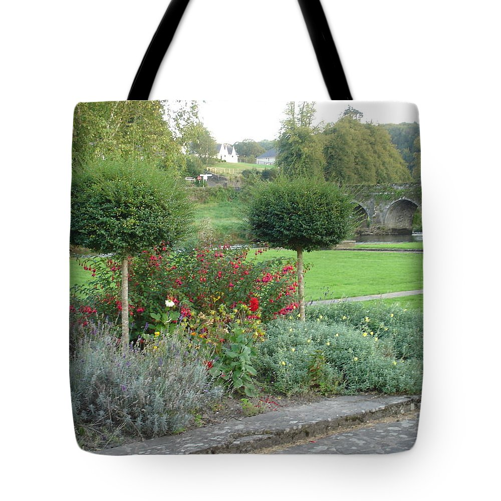 Inistioge Tote Bag featuring the photograph Garden On The Banks Of The Nore by Kelly Mezzapelle