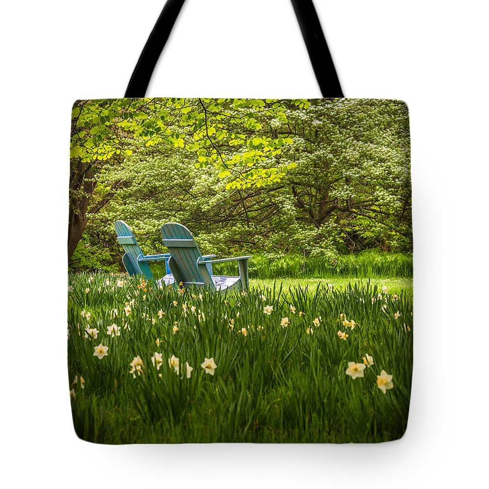 Chanticleer Gardens Tote Bag featuring the photograph Garden Seats by Kristopher Schoenleber