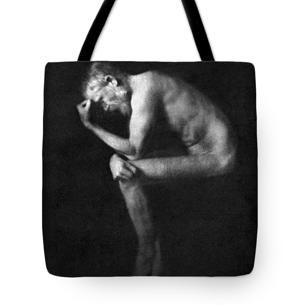 19th Century Tote Bag featuring the photograph George Bernard Shaw by Granger