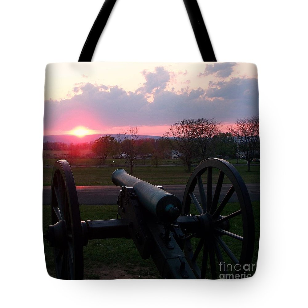 Gettysburg Cannon Tote Bag featuring the painting Gettysburg Cannon by Eric Schiabor