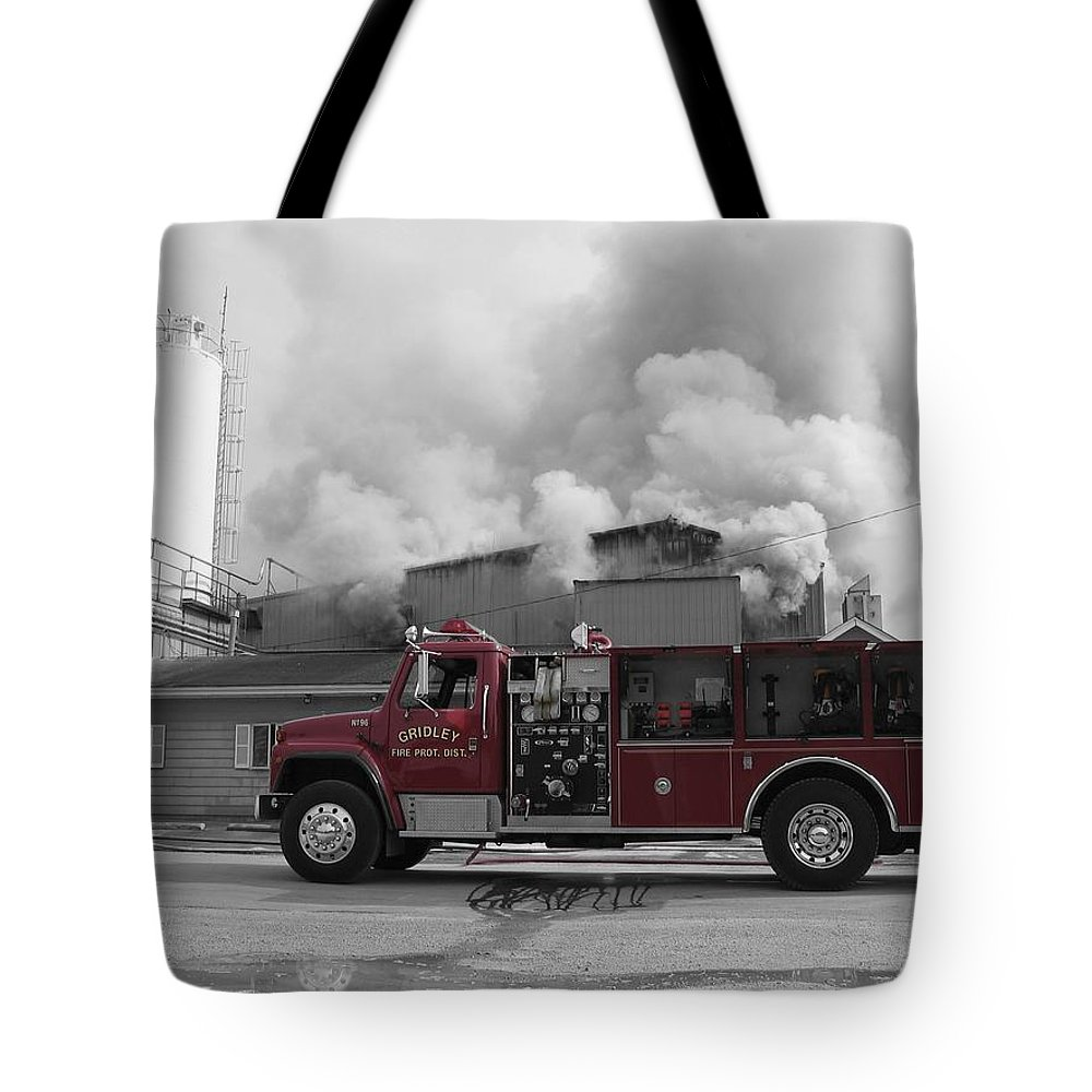 Selective Coloring Tote Bag featuring the photograph G.f.d. by Dylan Punke