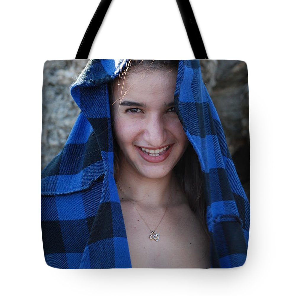 Woman Tote Bag featuring the photograph Gisele by Rob Hans
