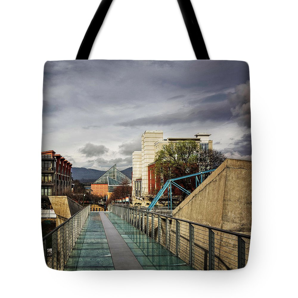 Tennessee Aquarium Tote Bag featuring the photograph Glass Bridge To The Aquarium by Greg Mimbs