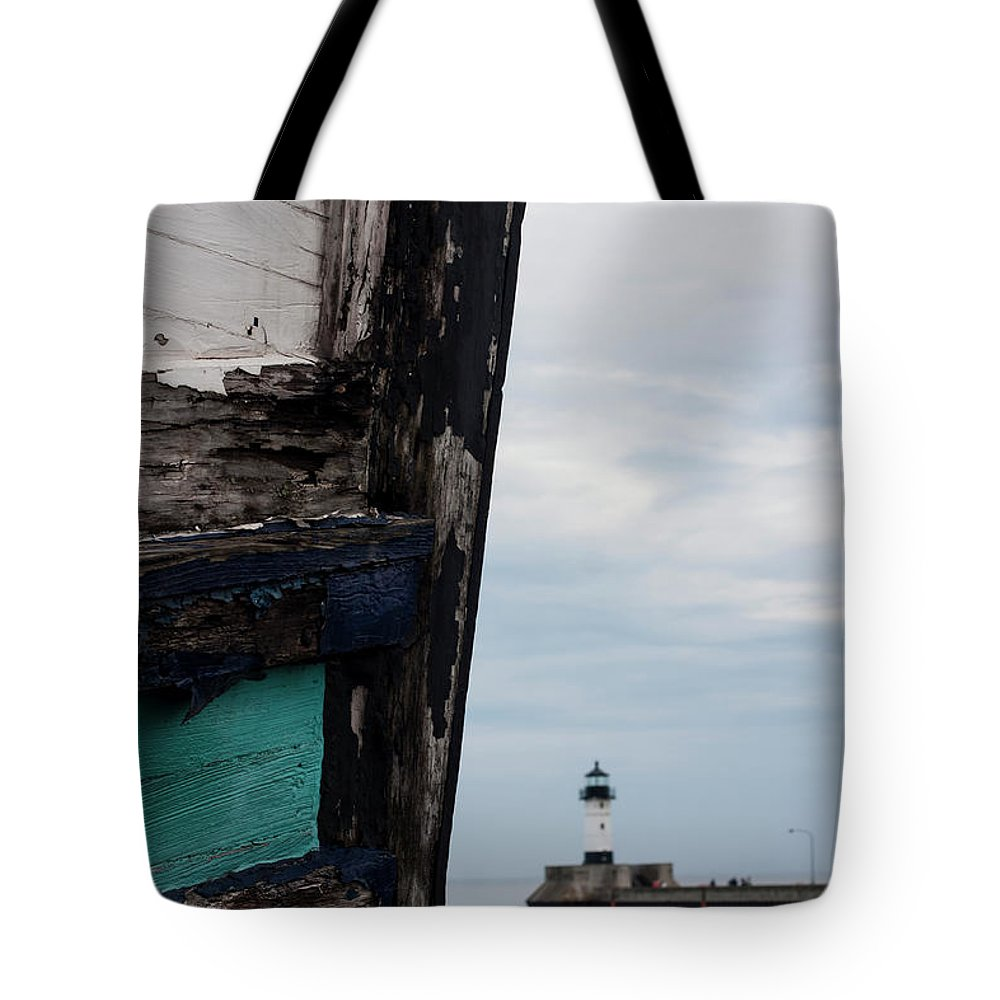 Perspective Tote Bag featuring the photograph Glimpse by Angela King-Jones