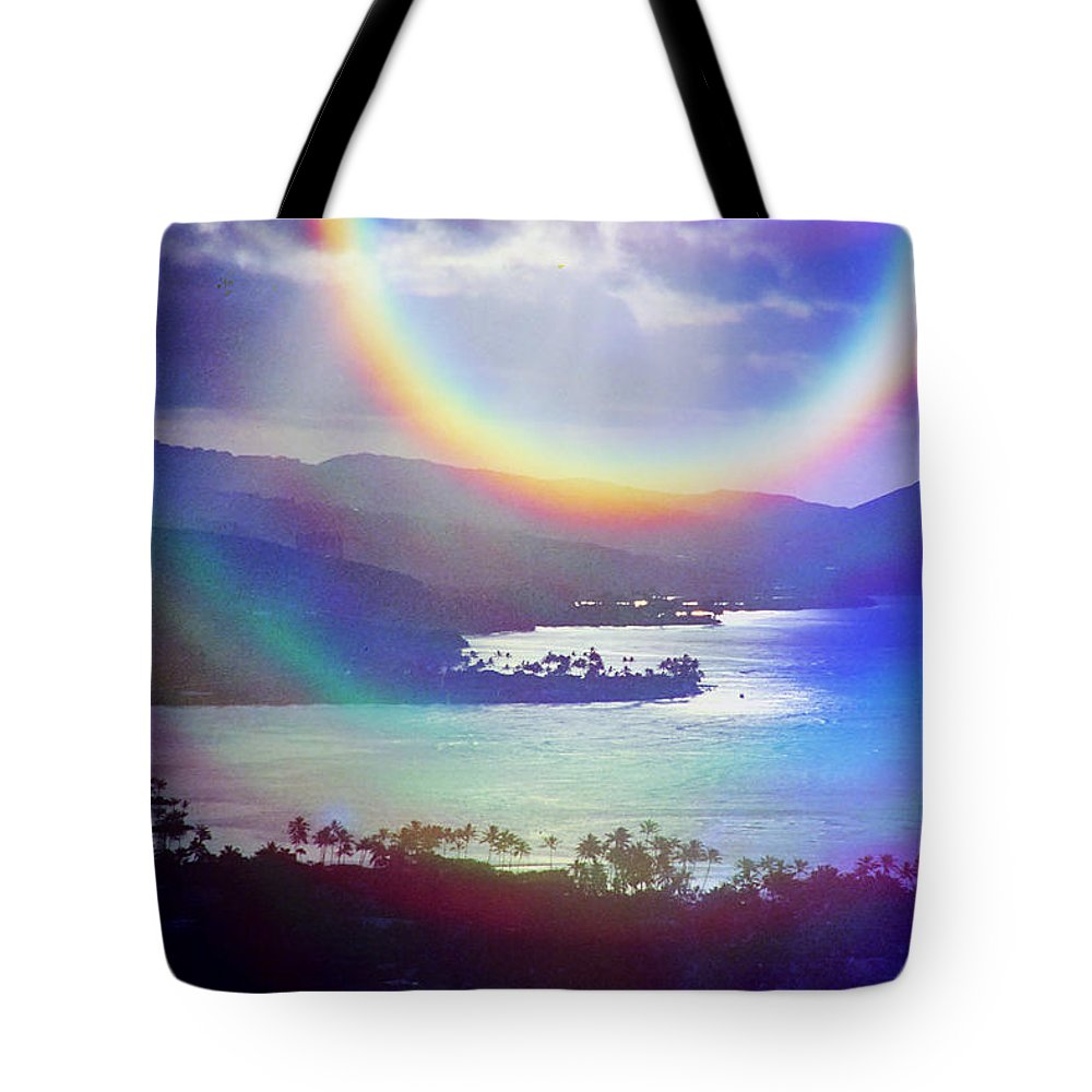 Maunalua Bay Tote Bag featuring the photograph Gods Eye by Kevin Smith