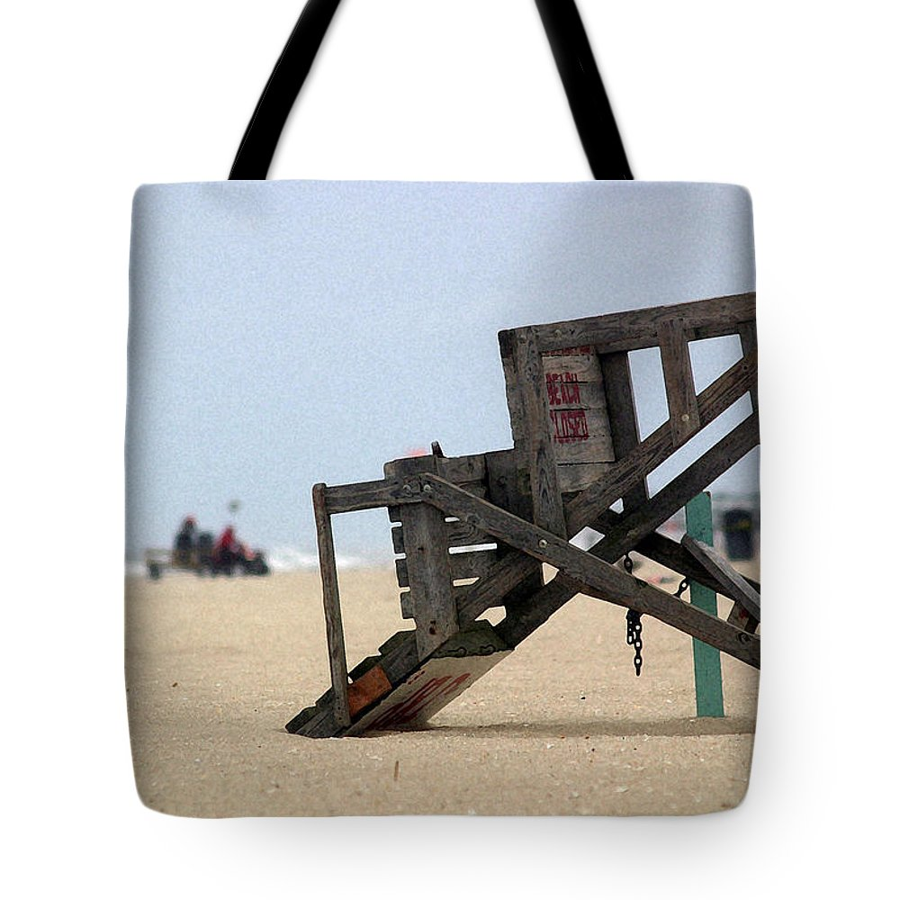 Seascape Tote Bag featuring the photograph Going Home by Mary Haber