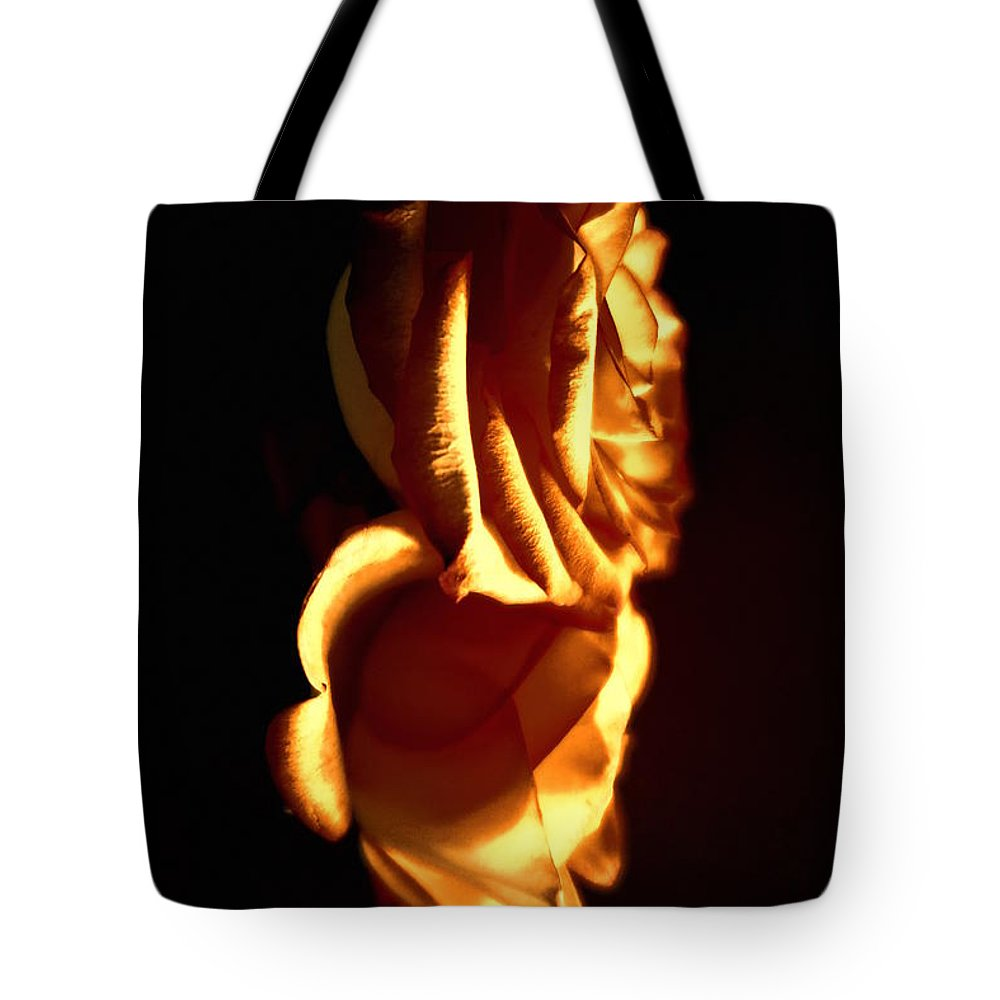 Floral Tote Bag featuring the photograph Golden Roses 6 by Tara Shalton