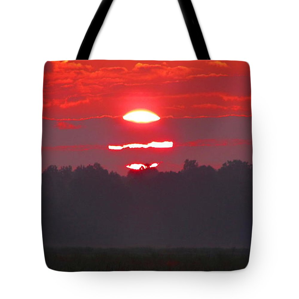 Sunset Tote Bag featuring the photograph Dawn At Old River by Gina Welch