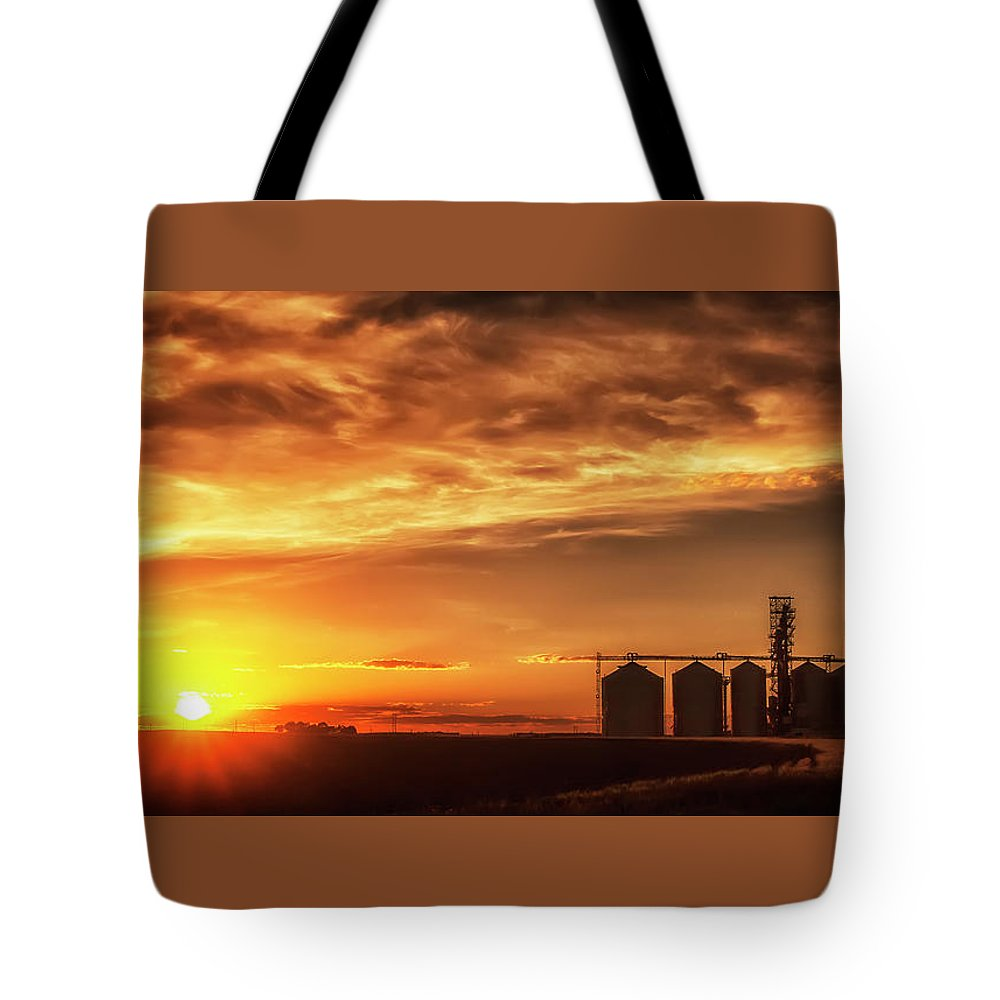 Sunset Tote Bag featuring the photograph Good Night Sun by Steve Sullivan