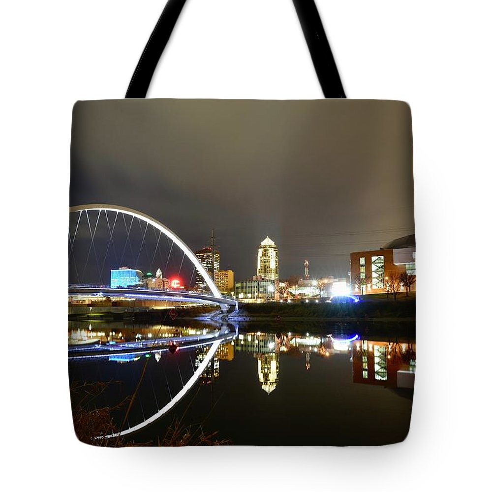 Des Moines Tote Bag featuring the photograph Good Old Des Moines. by Justin Langford