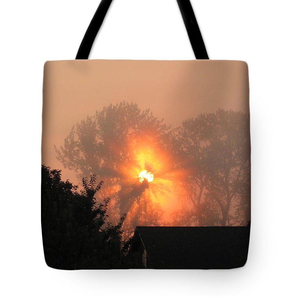 Landscapes Tote Bag featuring the photograph Goodnight Kiss by Shari Chavira