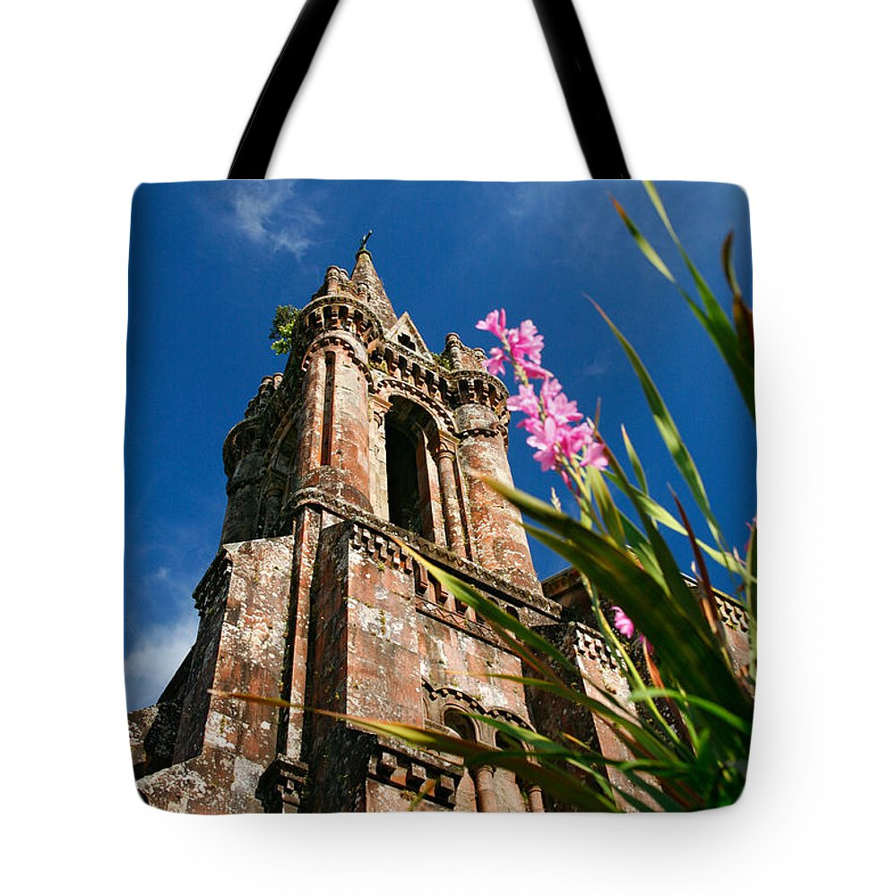 Architecture Tote Bag featuring the photograph Gothic Chapel by Gaspar Avila