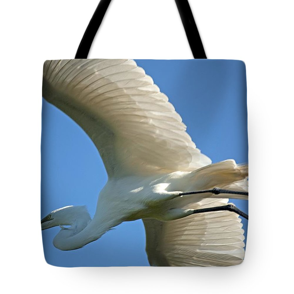 Egret Tote Bag featuring the photograph Graceful Flight by Kenneth Albin