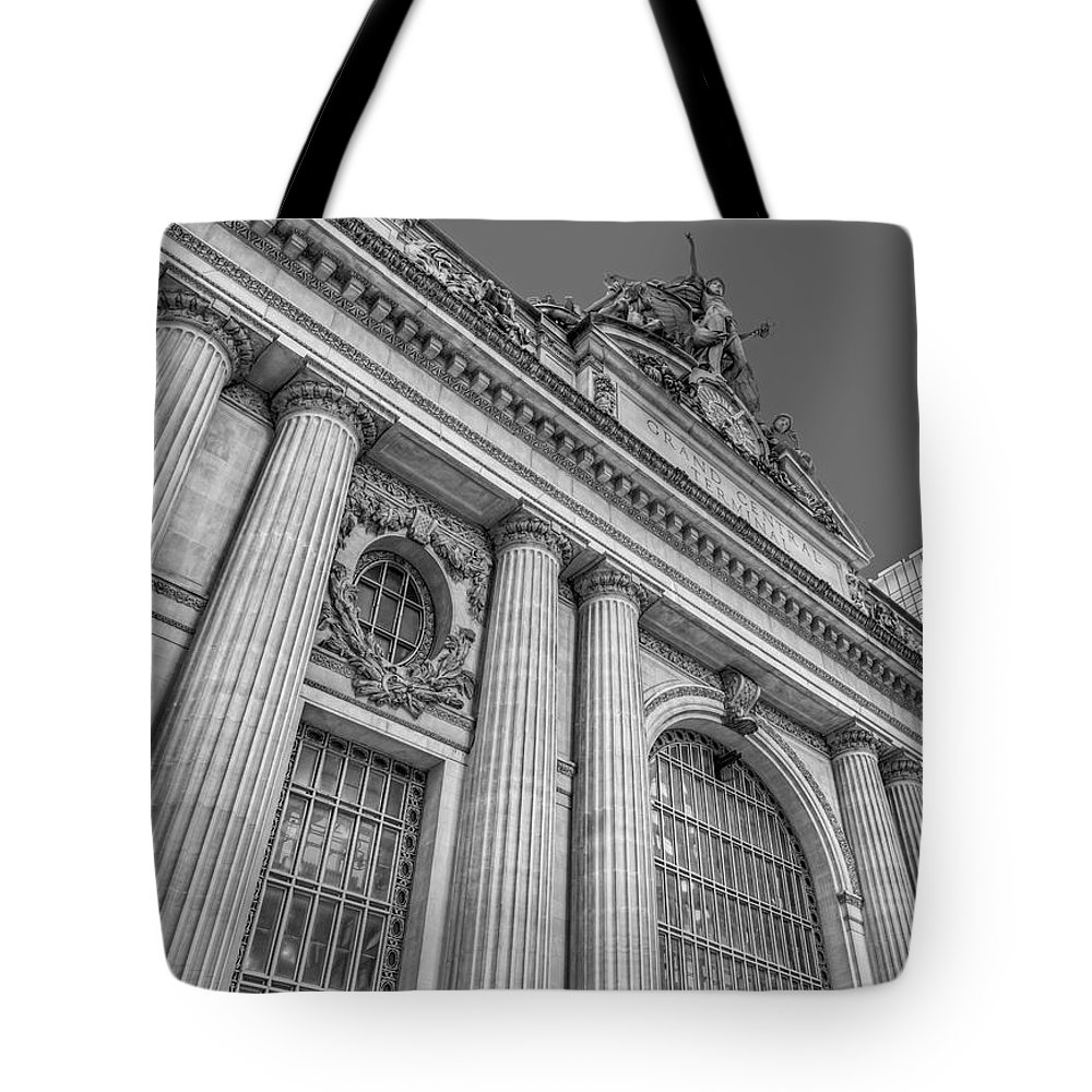 Gct Tote Bag featuring the photograph Grand Central Terminal - Chrysler Building Bw by Susan Candelario