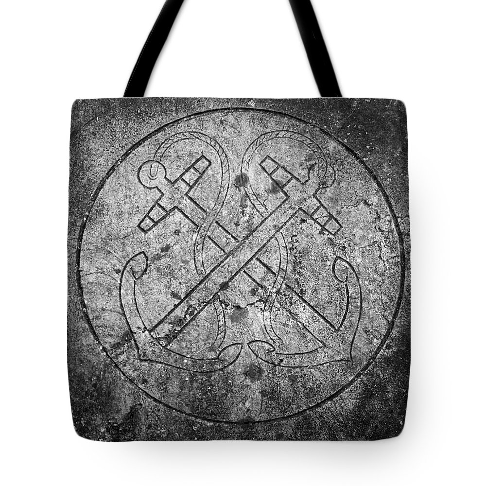 Irish Tote Bag featuring the photograph Grave Of Cadet Soady Macroom Ireland by Teresa Mucha