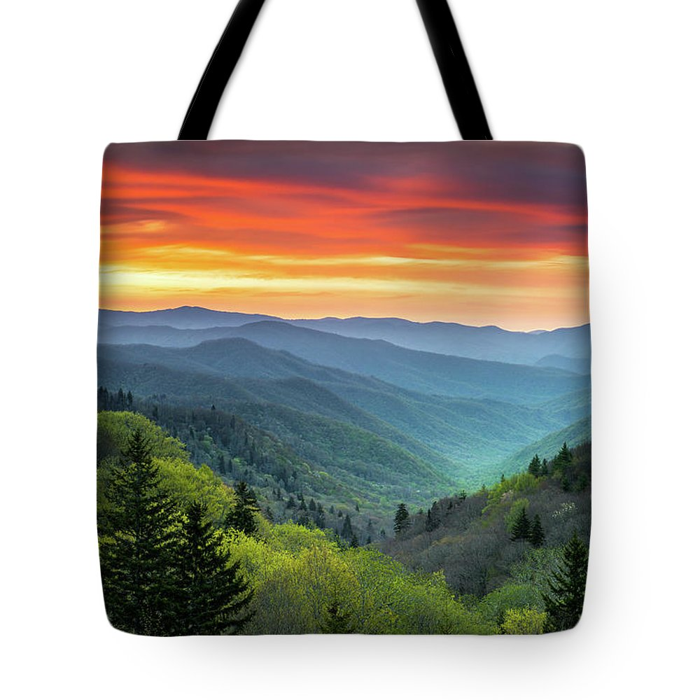 Gatlinburg Tn Tote Bags