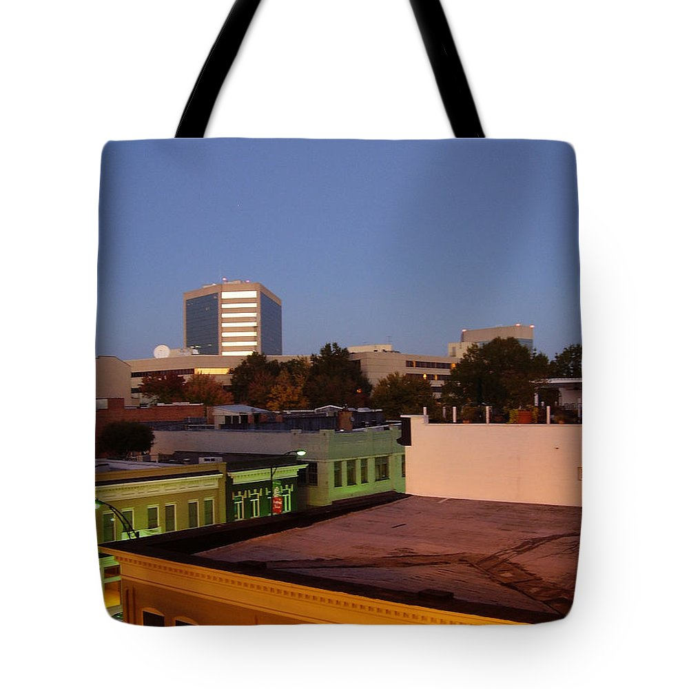 Greenville Tote Bag featuring the photograph Greenville by Flavia Westerwelle