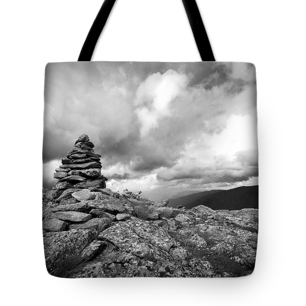 Mount Washington Nh Tote Bag featuring the photograph Guide In The Clouds by Michael Hubley