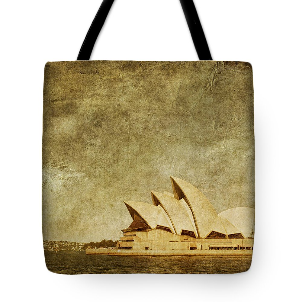 Sydney Tote Bag featuring the photograph Guided Tour by Andrew Paranavitana