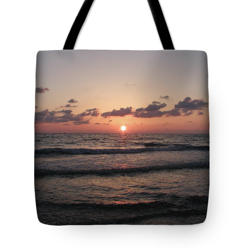 Gulf Tote Bag featuring the photograph Gulf Sunset by Bill Cannon
