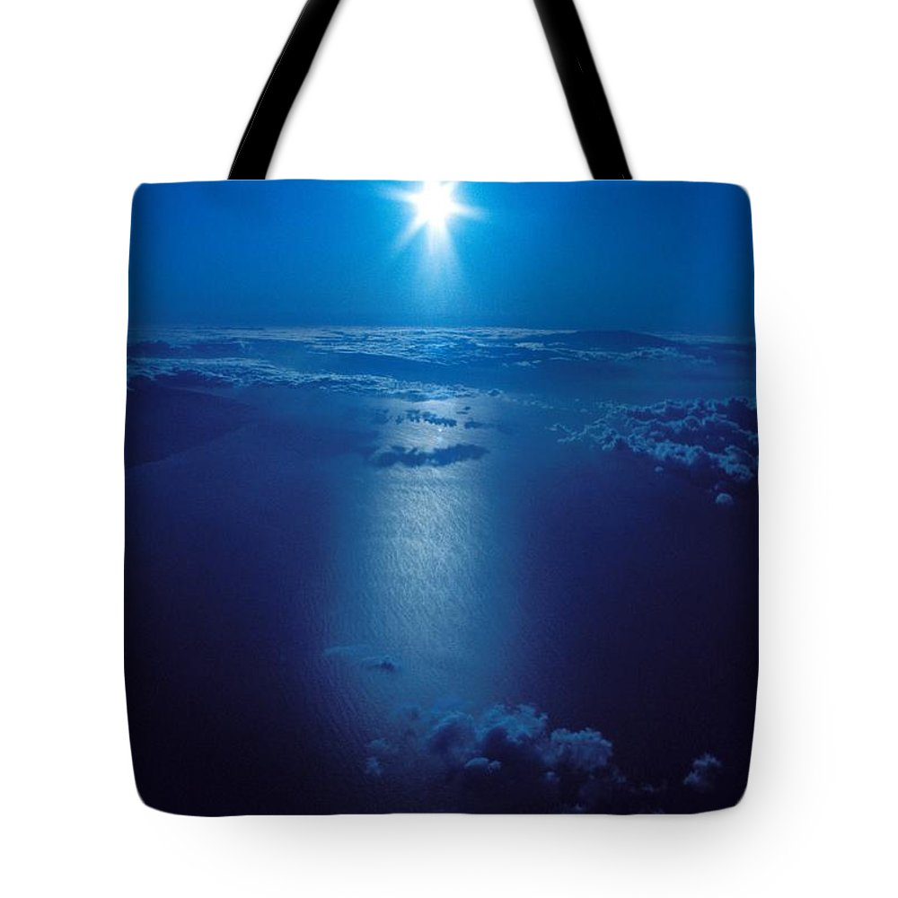 Above Tote Bag featuring the photograph Haleakala Sunburst by David Cornwell/First Light Pictures, Inc - Printscapes