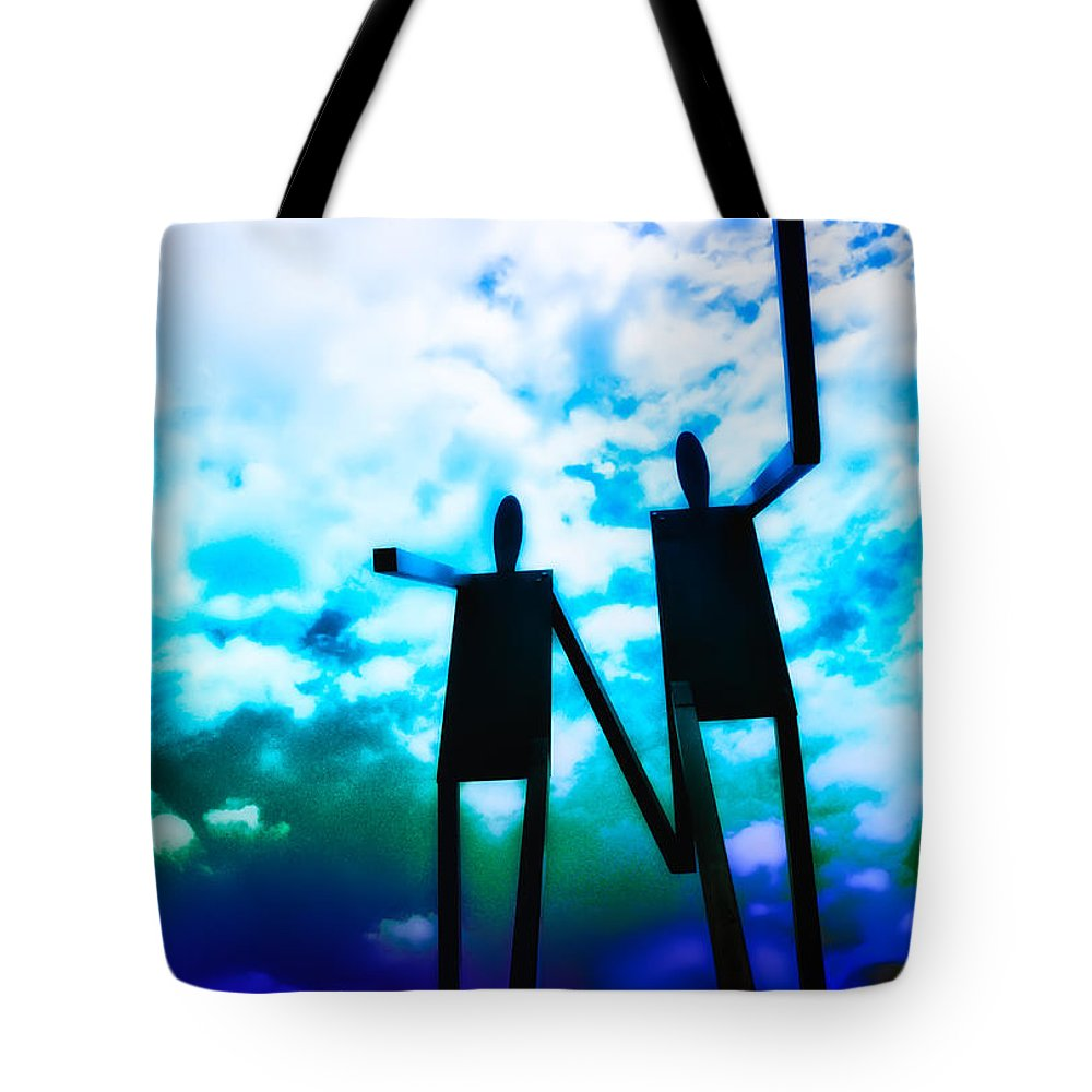 Philadelphia Tote Bag featuring the photograph Hand In Hand by Bill Cannon