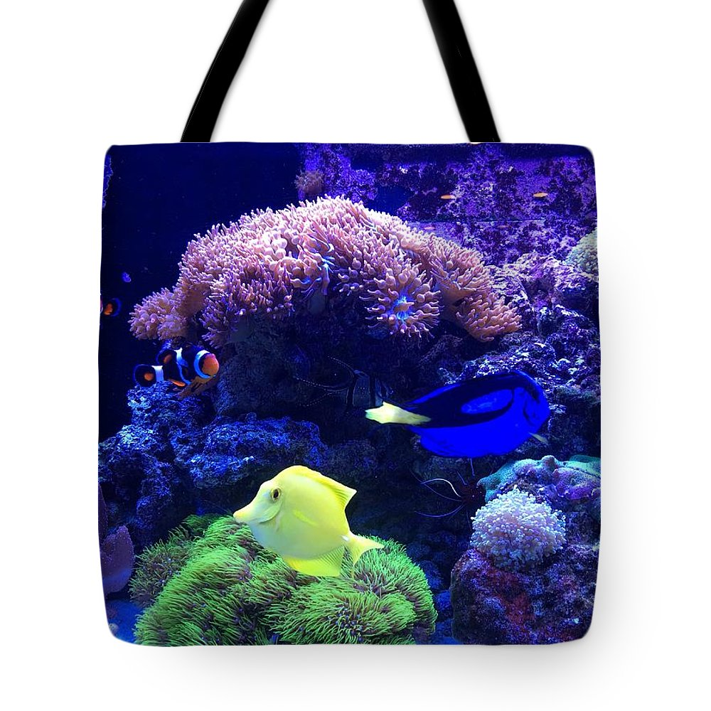 Photo Of A Salt Water Tank Tote Bag featuring the painting Happy Swimming by Marge Healy